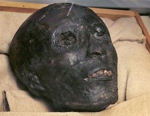 Tuts Skull