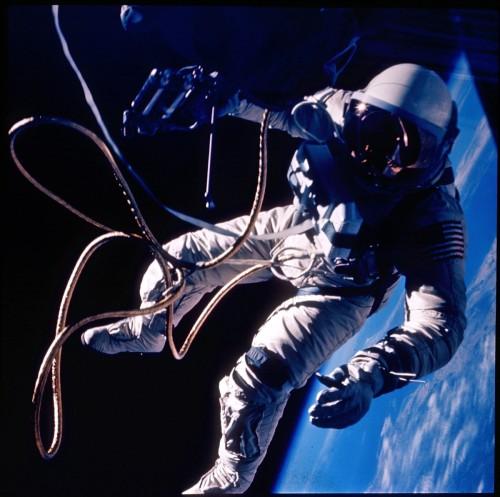 Gemini 4 Spacewalk